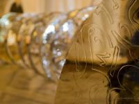 Dischi d'argento che arredano il Dubai Mall