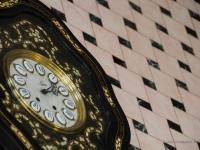 Orologio antico che arreda il Bar Pilar