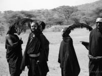 Circoncisi - Ragazzi in costume dopo il rito della circoncisione
