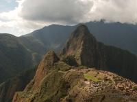Macchu Picchu - Lo Wayna Picchu sovrasta la cittadella Inca in una cornice naturale unica