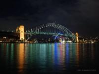Ponte - L'Harbour Bridge che attraversa la Baia di Sydney (Australia)