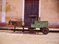 Auto blu - Il mezzo ti trasporto del municipio di Remedios (Cuba)